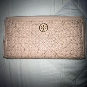 Authentic Tory Burch Continental Zipper Wallet